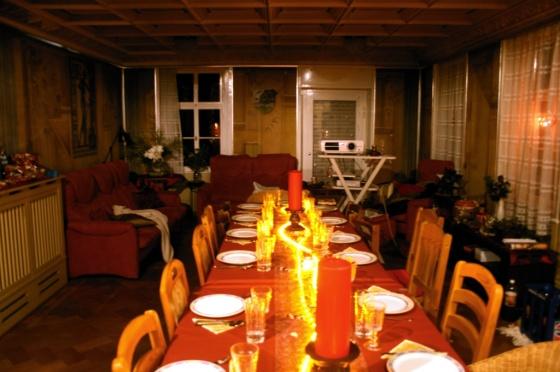 Festlicher Schmuck - Platz für 18 Gäste