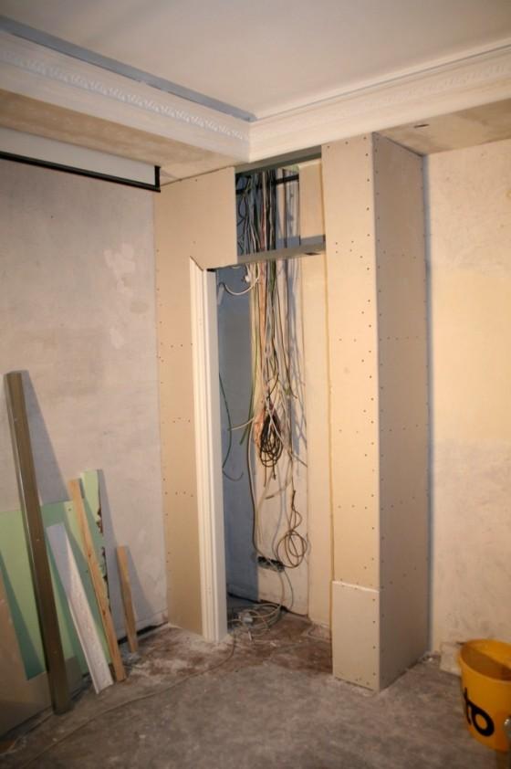 Der Technikraum im Schlafzimmer